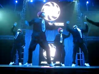 ����������� Jabbawockeez ( Apologize+Rock Wit It+Get Buck)